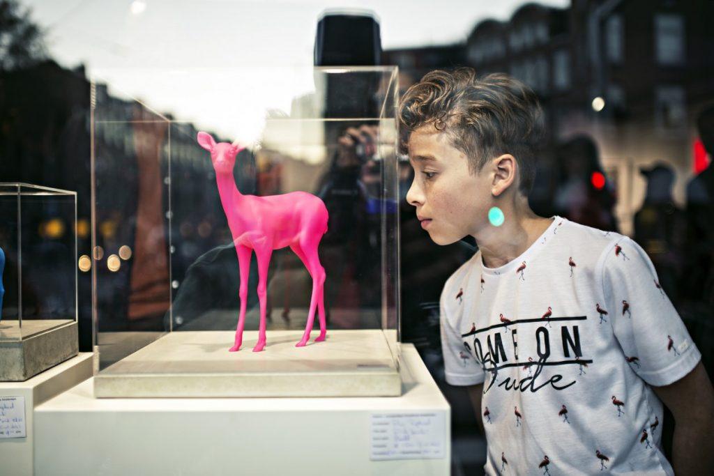 Bambi statue Pink (small)