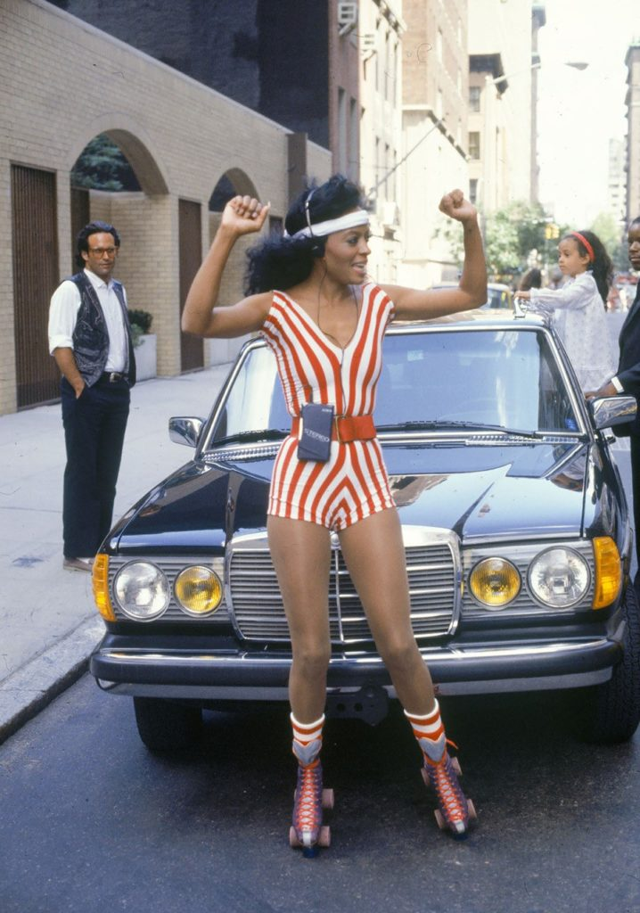 Diana Ross skating in NYC streets in 1982