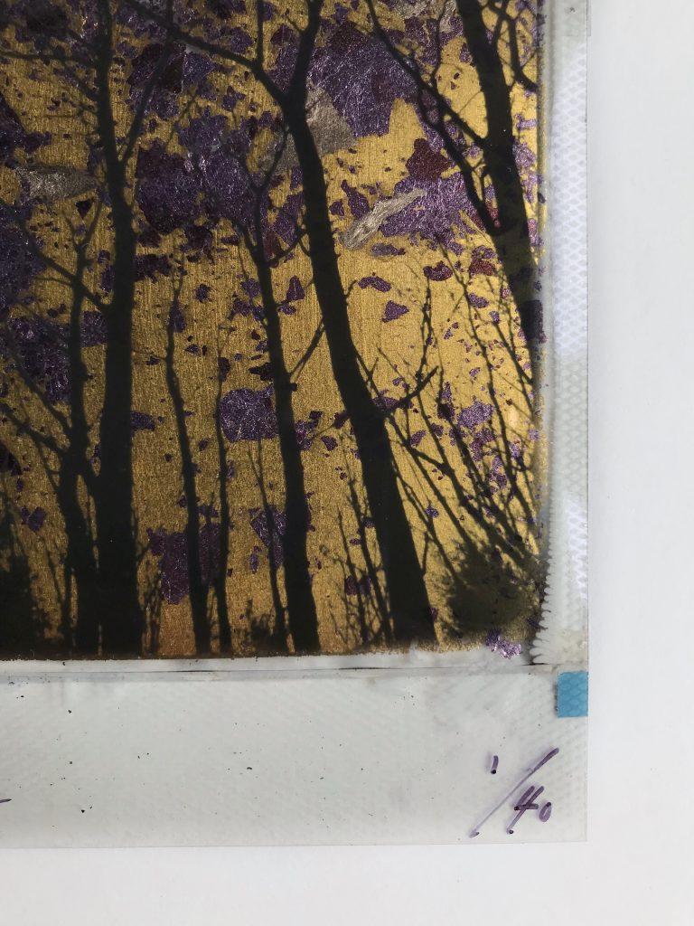 Splitting of the light – Gold / Purple